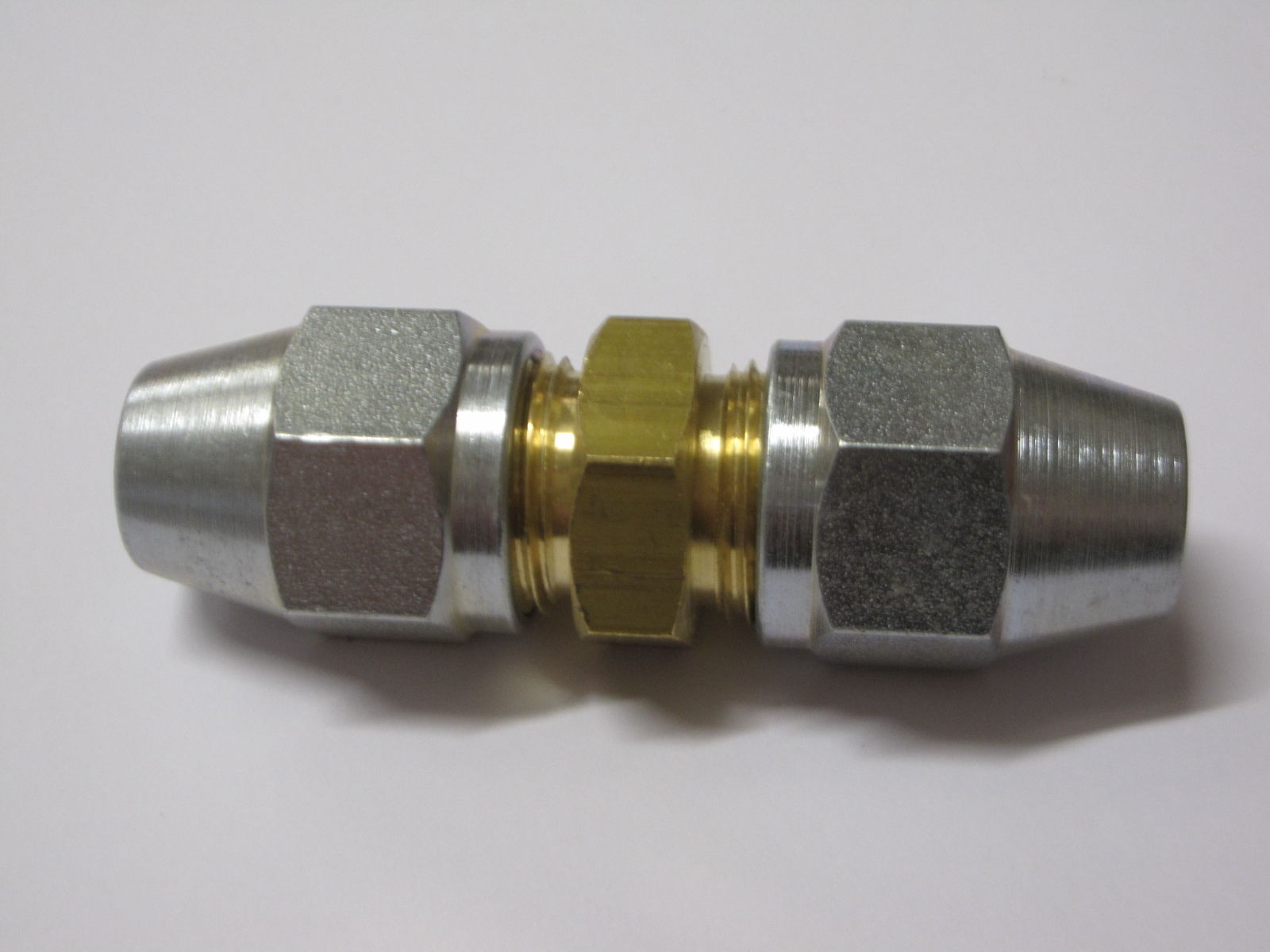 """4 x MALE NUTS FOR 3//16/"""" PIPE 10MM x 1MM 2 x 2 WAY FEMALE BRAKE PIPE CONNECTOR"""